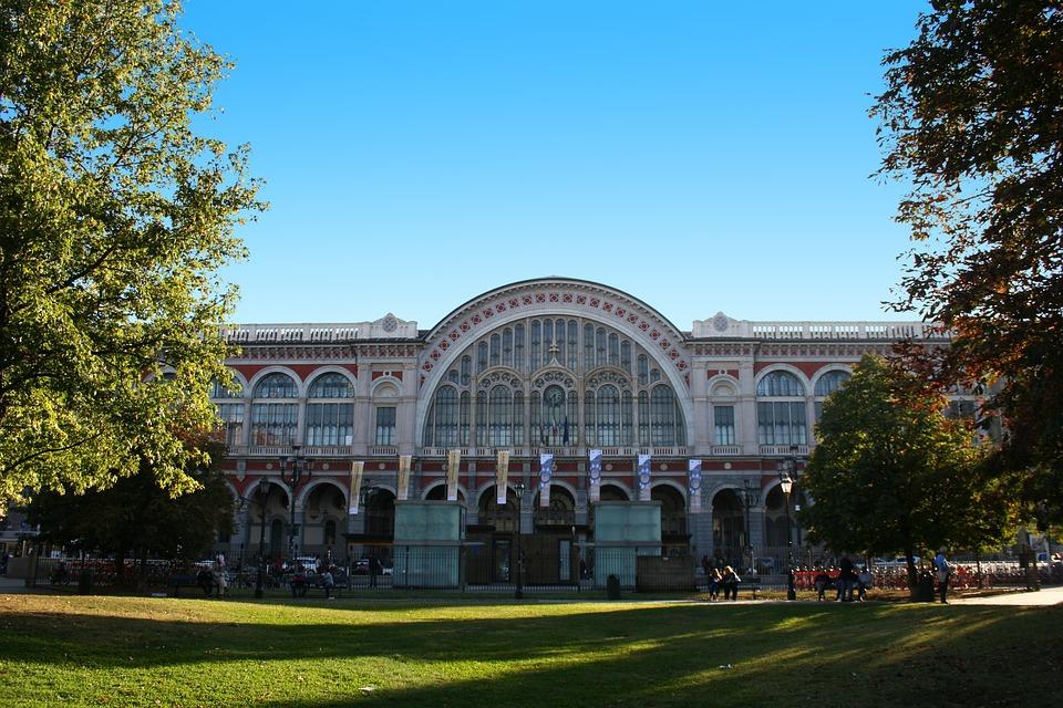 Turin Porta Nuova Station